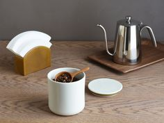 A simple, porcelain canister crafted as an accessory to the Slow Coffee Style collection to enhance your morning coffee routine. Produced in Japan by KINTO, the Slow Coffee Style collection encourages you to take a step back from the rush of daily of life. Elegant in its simplicity, this canister is made using porcelain and …