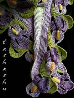 http://www.ravelry.com/patterns/library/scarf-suigo-sawara