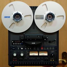 The Otari track reel to reel deck. Get one, bump your digits to analog! Cd Audio, Audio Room, Hifi Audio, Cassette Vhs, Recording Studio Design, Magnetic Tape, Tape Recorder, Sound & Vision, Computer Case