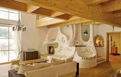 Možnosť vychutnávať si krásu a útulnosť ohňa _adsys_id = 30306; _adsys_size = 1; v kozube bola až do... Cob House Plans, Rustic Closet, Earthship Home, Earthy Home Decor, Rustic Fireplaces, Earth Homes, Natural Building, Closet Designs, Sweet Home