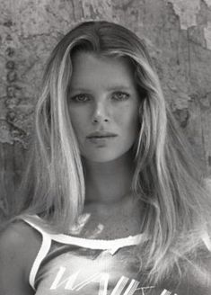 Hollywood Icons, Hollywood Celebrities, Old Hollywood, Breck Shampoo, Most Beautiful Women, Beautiful People, Kim Basinger, Classic Beauty, American Actress