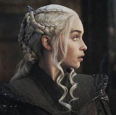 Daenerys Targaryen Art, Deanerys Targaryen, Emilia Clarke Daenerys Targaryen, Khaleesi, Got Characters, Fictional Characters, Watchers On The Wall, I Love Games, Fantasy Art Women
