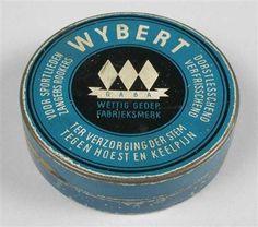 """Blik met los deksel, """"Wybert"""", blauw Sweet Memories, Childhood Memories, Vintage Tins, Retro Vintage, Circular Logo, Good Old Times, Tin Boxes, My Heritage, Vintage Advertisements"""