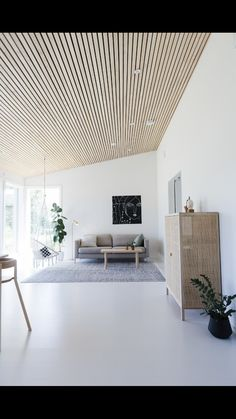 nice house interior dream homes Wood Slat Ceiling, Wood Slat Wall, Wooden Ceilings, Wood Slats, Interior Architecture, Interior Design, Modern Interior, Midcentury Modern, Interior Styling