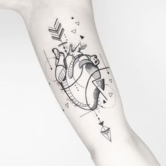 Heart tattoo geometric ❤️ ✨#inkstinctsubmission #iblackwork #tattooculturemagazine #tttism #blacktattoing #radtattoos #blackworkerssubmission #darkartists #tattoodo #blackworkartists #blackwork #blacktattoomag #blacktattooart #fineline #inspirationtattoo #tattooartistmagazine #btattooing #onlyblackart #skinartmag #tattooistartmagazine #equilattera #tattrx #inkedmag #inkjunkeyz #wowtattoo #perfecttattoo #geometrictattoo #portotattoo #tattoo2me #geometrictattoo #hearttattoi