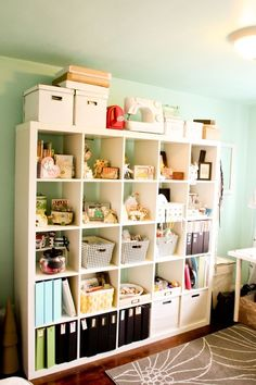Just love these expedit shelves!!
