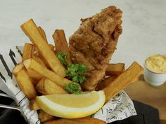 Fish and chips on vienyt sydämeni. Se jos mikään on täydellistä lohturuokaa.