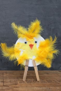 This happy little chicken can be made by the kids in 5 minutes! Click on the link for instructions.