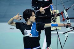 "AutumnDay_Hendery on Twitter: ""190714爱奇艺运动会  🏹🏹🏹  #黄冠亨 #HENDERY #WayV #WeiShenV #威神V… """