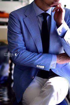 ジャケパンコーディネート,白パンとブルーのジャケットのコーディネート,夏のジャケットの着こなし,爽やかなコーディネート,千鳥格子のジャケット,ニットタイのコーディネート,白パンnコーディネート,,,,オーダー,誂え,紳士,オーダーメイド,オーダー,ジャケパン,スーツ,ジャケット,誂え,紳士,コーディネート,着こなし,オーダーメイド,福岡,八幡西区,黒崎,北九州,ビスポークスーツ110,bespokeSUIT110,bespokeSUITIIO,