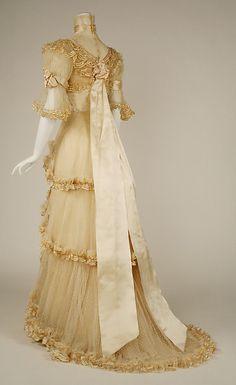 Evening dress Designer: Jacques Doucet  Date: 1906–7 Culture: French Medium: silk Accession Number: C.I.51.13.2a–c