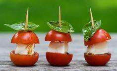 Deliciosos bocadillos caprese- I loooove basil