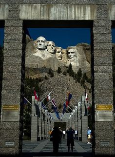 Mt Rushmore in South Dakota. Mont Rushmore, Rapid City, South Dakota, Places To Travel, Alaska, Places Ive Been, Beautiful Places, National Parks, Road Trip