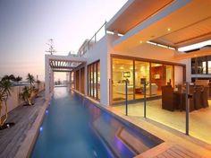Kings Beach House - contemporary - exterior - brisbane - Phil Darwen