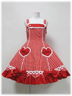 love the detail, the hearts, little bows,buttons and the heart polka dot all on a red poofy lolita dress :D