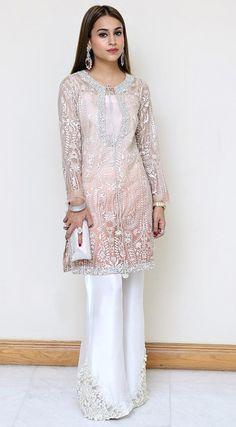 wearing a semi forma Pakistani Fashion Casual, Pakistani Wedding Outfits, Pakistani Bridal, Pakistani Dresses, Indian Dresses, Asian Fashion, Indian Outfits, Moda Indiana, Casual Dresses