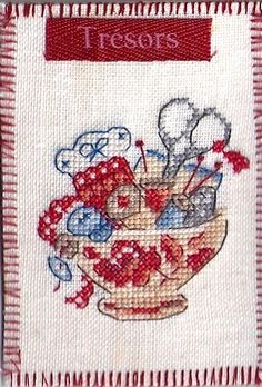 Enfin mes ATC reçues ! Mini Cross Stitch, Cross Stitch Embroidery, Stitches Wow, Needlework, Alsace, Sewing, Crochet, Crafts, Cross Stitch