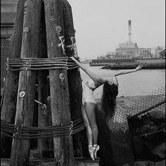 #Ballerina - @minzy___ in #DUMBO #Brooklyn #NewYorkCity #EastRiver #ballerinaproject_ #ballerinaproject #bal #dance by ballerinaproject_