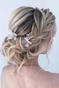 Classic Updos With Accessories ❤ Here are a lot of easy updos for long hair you can try at home. Updos don't have to be elaborate and complicated. And you don't have to go to a salon. #easyupdosforlonghair #lovehairstyles #hair #hairstyles #haircuts