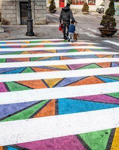 Artist Christo Guelov Creates Dozens of Colorfully Alternative Pedestrian Crossings in Madrid (Colossal) Passage Piéton, Pedestrian Crossing, Zebra Crossing, Sidewalk Art, Geometric Designs, Geometric Patterns, Land Art, Street Artists, Portrait Photo
