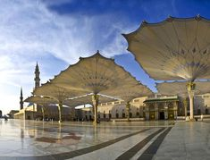 High-tech giant umbrellas - Al-Masjid al-Nabawī Mosque