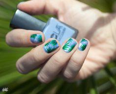 Palm leave nail art idea spring summer