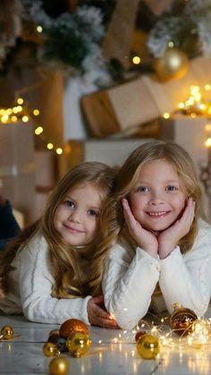 Christmas Photos, Christmas Time, Merry Christmas, Beautiful Children, Children Photography, Cute Kids, Cute Animals, Disney, Girls