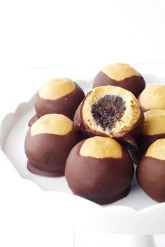Peanut Butter Oreo Buckeyes from Sweetest Menu