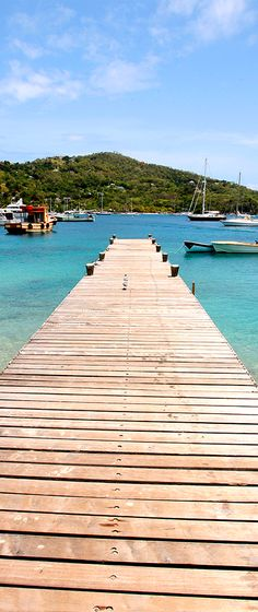 #PinUpLive St. Vincent & The Grenadines / Discover Bequia