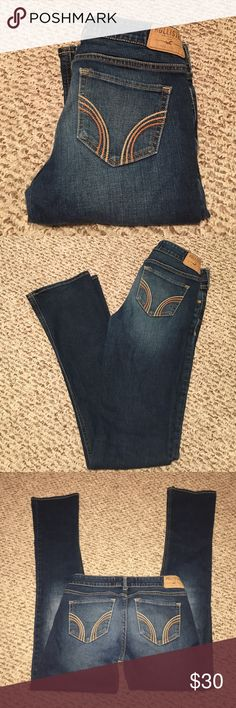HOLLISTER JEANS✨ Stunning jeans! No holes, straight leg Size 3R W26 L33 the bottom hem on one leg is slightly worn shown in last pic! Hollister Jeans Straight Leg
