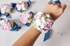 Wrist flower corsage Flower bracelet Wedding flowers Pink Prom