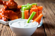 Simple three-ingredient dips you can make in minutes Healthy Oils, Healthy Recipes, Salad Recipes, Healthy Food, Salsa Ranch, Blue Cheese Dressing, Toasted Pumpkin Seeds, Dehydrated Food, Fries In The Oven