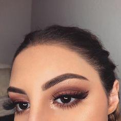 Discover these mac makeup looks Tip# 6995 Eye Makeup Cut Crease, Skin Makeup, Makeup Eyeshadow, Beauty Makeup, Brown Eyeshadow, Makeup Style, Eyeshadow Palette, Cute Makeup, Gorgeous Makeup