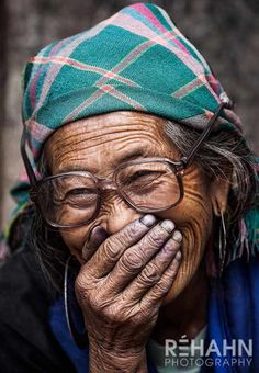 LensCulture Portrait Awards 2016 is an international competition seeking the BEST portrait photography from ALL the corners of the world. People Photography, Portrait Photography, Free Photography, Product Photography, Photography Business, Digital Photography, Old Faces, People Laughing, Ageless Beauty