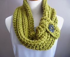 Chunky Bulky Button Crochet Cowl--turned out beautiful!
