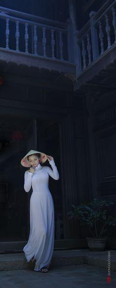 http://www.deviantart.com/art/Ao-dai-Vietnam-NM-Xuan-Van-Photo-Duong-Quoc-Dinh-477991980