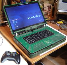 I kinda would like to have a custom Xbox 360 Laptop...