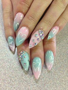 gorgeous ombre effect nails beautiliciousbeauty.com