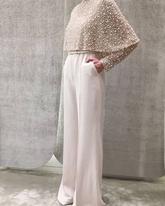 Elie Saab- mother of the bride look. Elie Saab- mother of the bride look. Muslim Fashion, Modest Fashion, Hijab Fashion, Fashion Dresses, Fashion Pants, Ladies Fashion, Fashion Fashion, Winter Fashion, Elie Saab