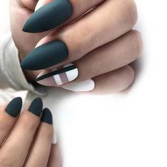 What manicure for what kind of nails? - My Nails Rose Gold Nails, Matte Nails, Diy Nails, Stiletto Nails, Coffin Nails, Acrylic Nails, Matte Almond Nails, Glitter Nails, Elegant Nail Designs