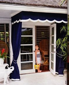 outdoor drapery w/ scalloped detail canopy