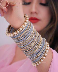 Indian Bridal Jewelry Sets, Indian Jewelry Earrings, Bridal Bangles, Jewelry Design Earrings, Bridal Jewellery, Antique Jewellery Designs, Fancy Jewellery, Stylish Jewelry, Fashion Jewelry