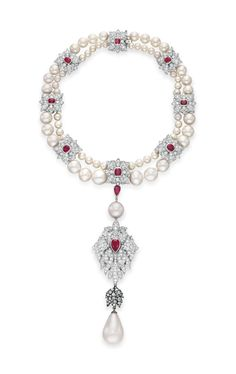 Elizabeth Taylor - La Peregrina A Natural Pearl, Diamond, Ruby and Cultured Pearl Necklace, by Cartier. Cartier Jewelry, Pearl Jewelry, Vintage Jewelry, Cartier Necklace, High Jewelry, Luxury Jewelry, Elizabeth Taylor Schmuck, Cultured Pearl Necklace, Cultured Pearls