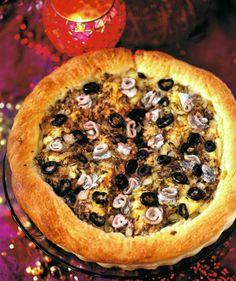Tarta z anchois i kaparami