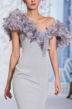 haute couture dress couture couture dresses couture kleider couture rose couture rules Ralph and Russo Spring/Summer 2016 Haute Couture q'd Style Couture, Couture Details, Couture Fashion, Runway Fashion, Fashion Show, Paris Fashion, Fashion Design, Net Fashion, Gothic Fashion