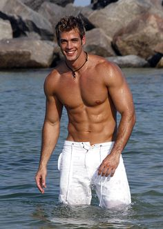 well he has a nice body.. ;)