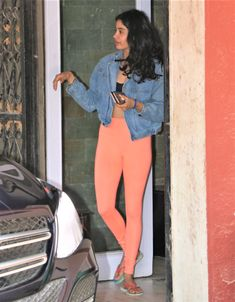 Young Actresses, Indian Actresses, Deepika Padukone Latest, Beautiful Bridal Makeup, Aditi Sharma, Crop Top Hoodie, Sara Ali Khan, Amrita Singh, Cute Crop Tops