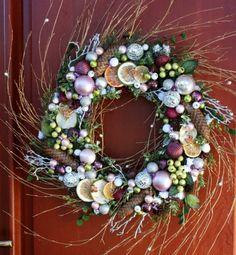 Wianek świąteczny na drzwi Liliowe Marzenie - ozdoby świąteczne, dekoracje na Boże Narodzenie