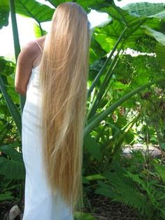 I'm growing my hair out so that I can get it this long