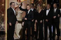Tina Fey si Amy Poehler au gazduit pentru al doilea an la rand Globurile de Aur 2014, iar Jennifer Lawrence, Elisabeth Moss, Bryan Cranston si Behind the...